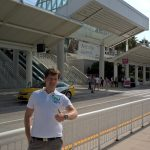 Stefan Zenkel vor dem Convention Center Orlando